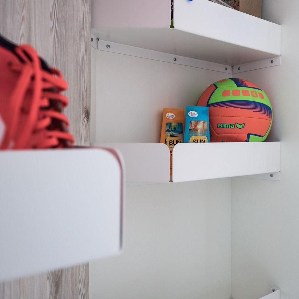 Räumlichkeiten optimal nutzen mit individuellen Garderoben Möbeln aus der Tischlerei nm pro GmbH in Nünchritz