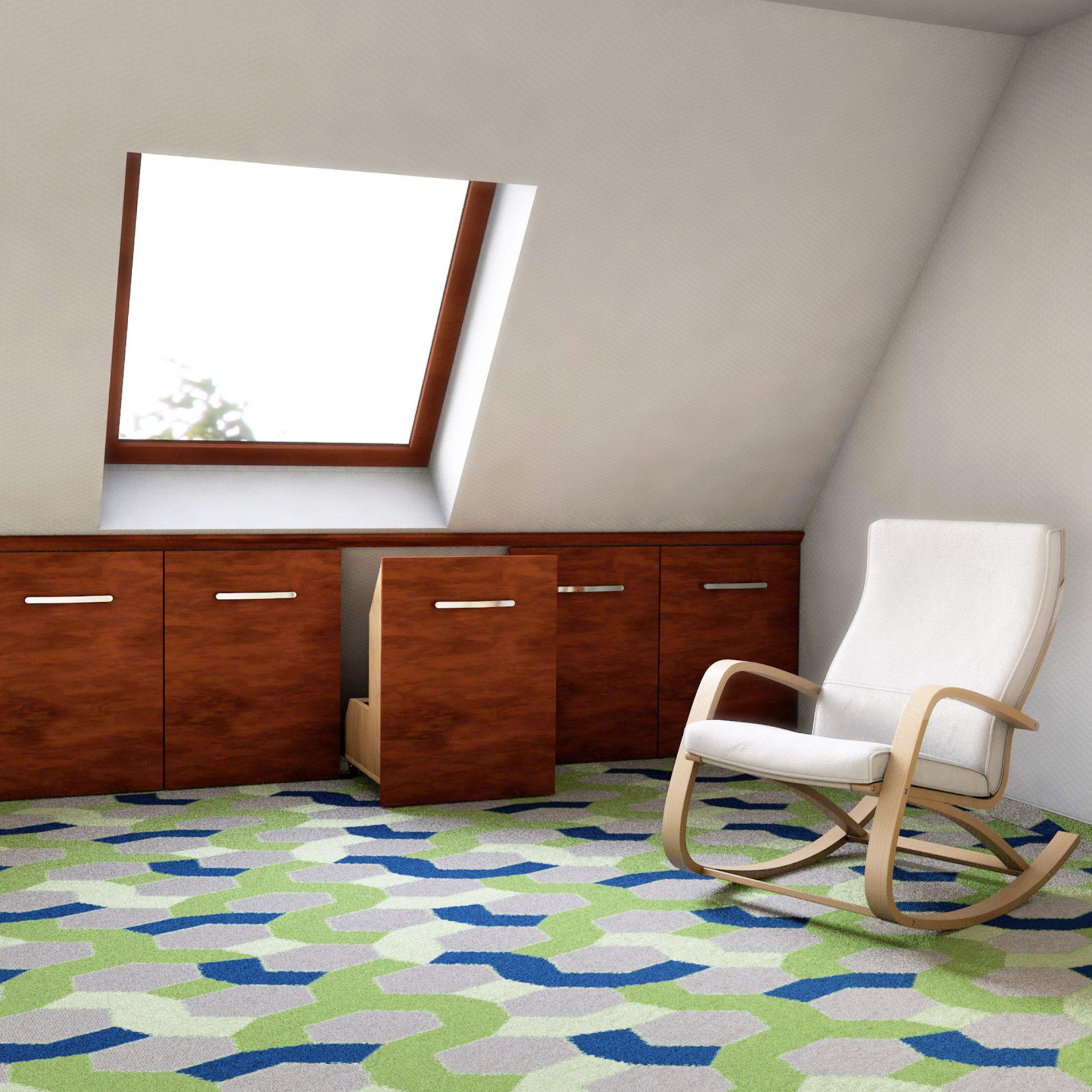 Raumnutzung mit individuellem Schrank für die Dachschräge